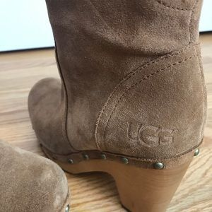 Ugg brown suede boots